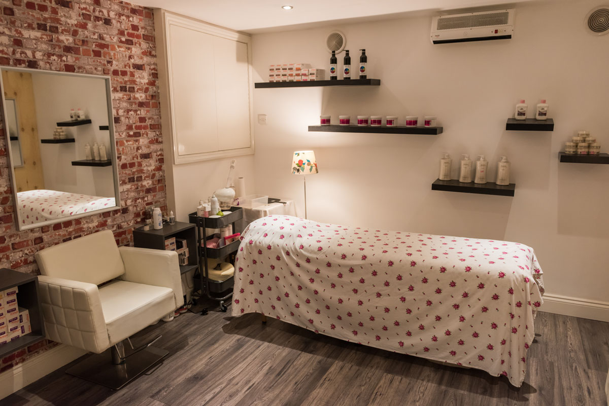 Waxing, Massages, Eyebrows, Dalry, Edinburgh Scotland UK